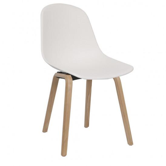 chaise scandinave en bois blanc